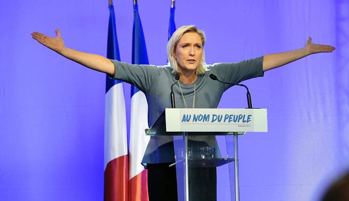 Le Pen 'ırkçı parti'yi bırakma kararı