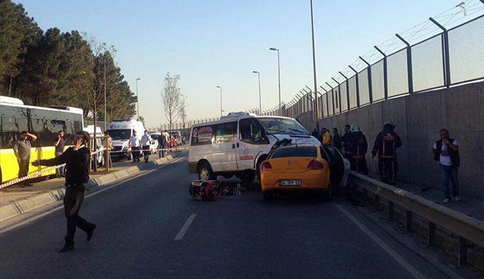 Maltepe'de trafik kazası: 2 ölü, 3 yaralı