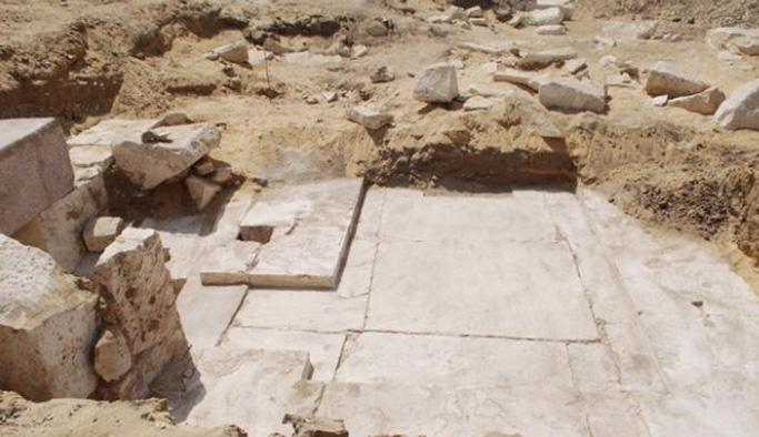 Mısır'da yeni bir piramit bulundu