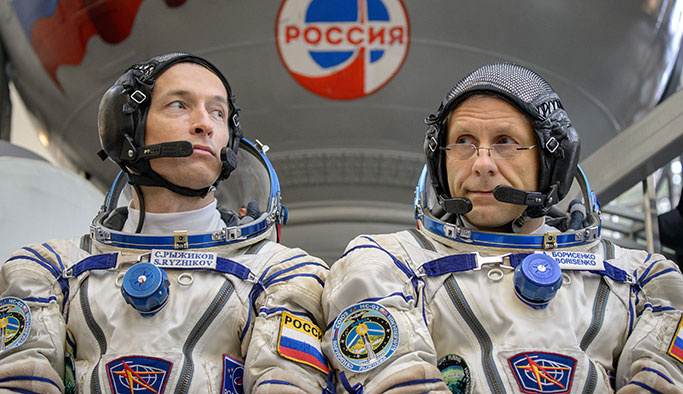 Soyuz üç astronotu Dünya'ya getirdi