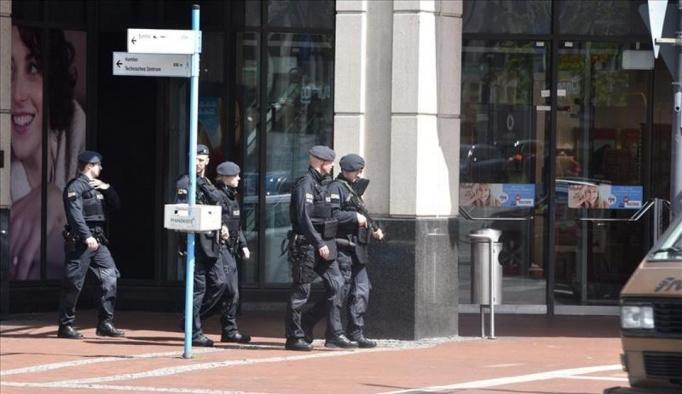 Almanya'da bomba ihbarı