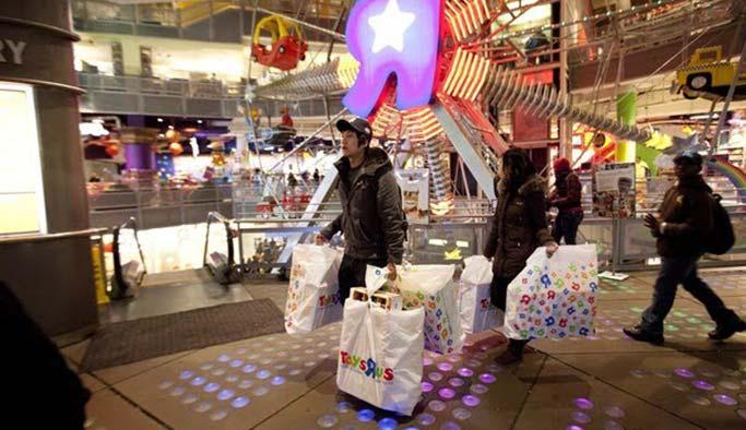 Amerikalılar 'Ulusal Anma Günü'nü de 'tüketim çılgınlığına' çevirdi