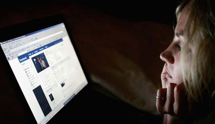 Aileler dikkat! Çocuklar Facebook'ta esrara bile ulaşabiliyor