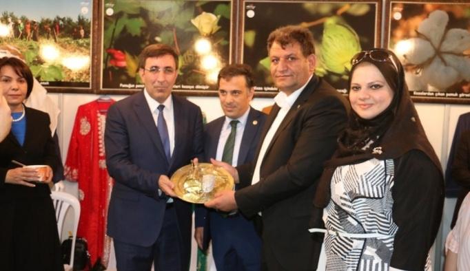 Belediye Başkanı Ayhan, Akçakale'yi Ankara'da tanıtıyor