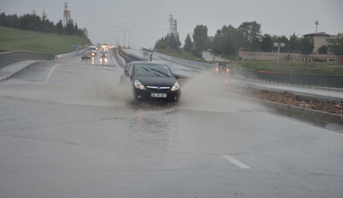 Bilecik'te sağanak yağmur