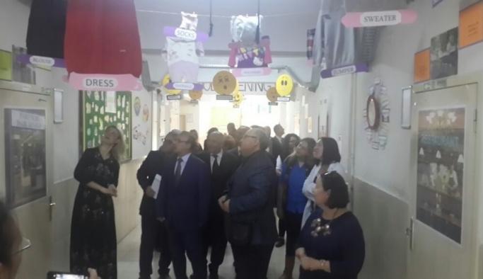 Burhaniye'de İngilizce Sokağı açıldı