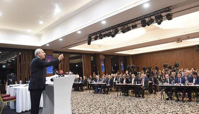 CHP'nin il başkanları toplantısında sert tartışma