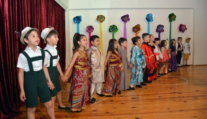 Erkan Koleji öğrencilerinden yıl sonu gösterisi