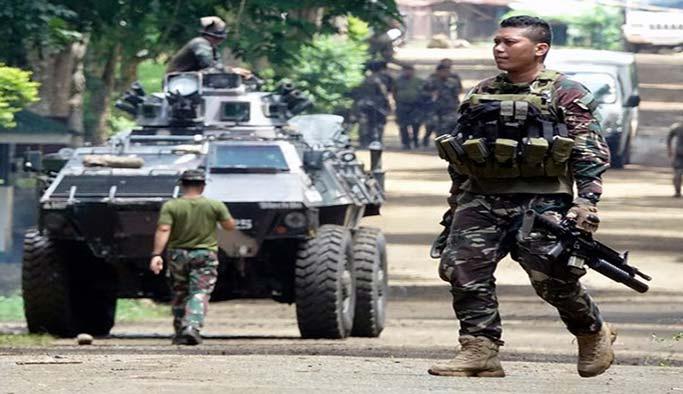 Filipinler'deki 'DEAŞ çatışmasında' ölü sayısı yükseliyor