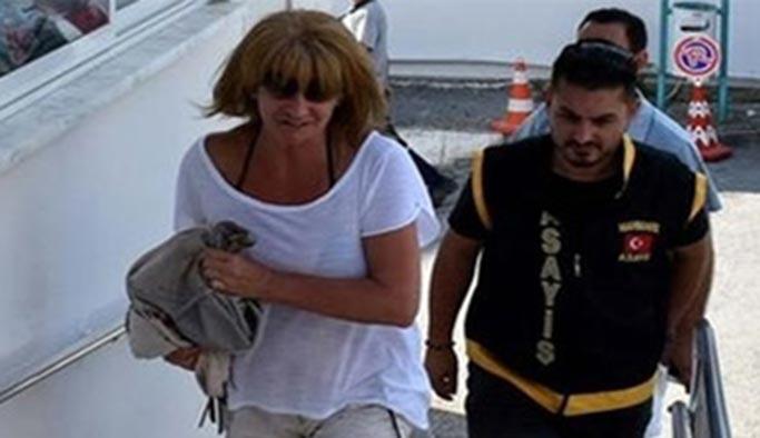 Interpol'ün aradığı kadın Marmaris'te tatilde bulundu