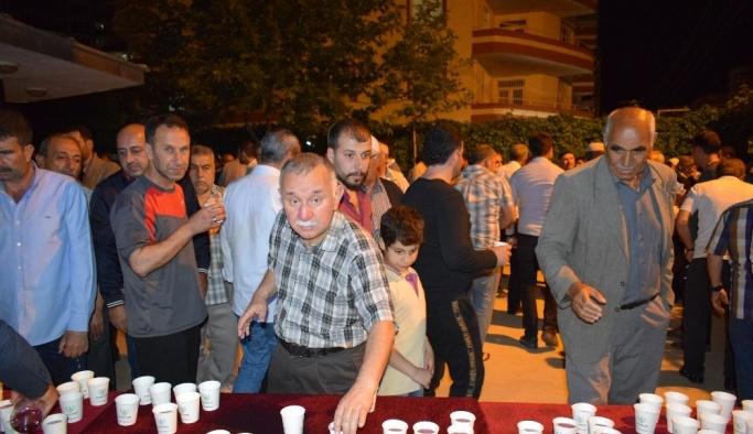 Kayapınar Belediyesi'nden vatandaşlara Ramazan şerbeti ikramı