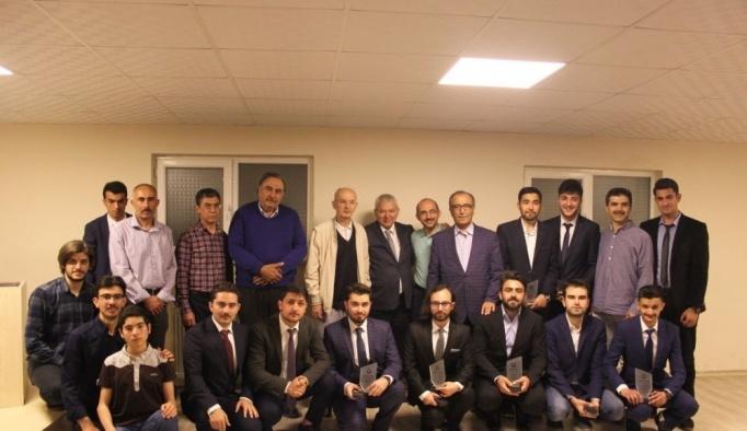Konya'da üniversite öğrencilerinin mezuniyet sevinci