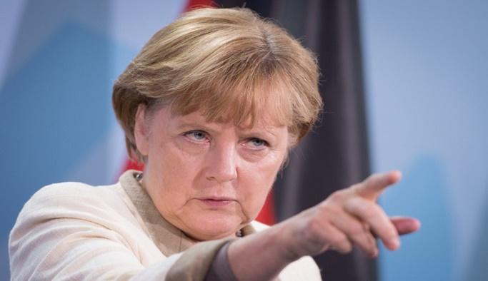 Merkel'den AB'nin geleceğine ilişkin kritik açıklama