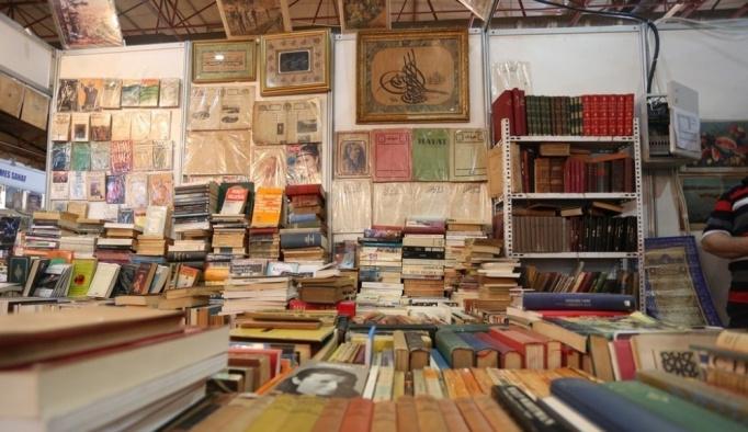 Sahaf eserler, Kitap Fuarı'nda kitapseverler ile buluşuyor