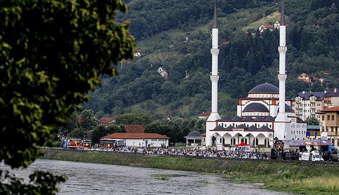 Sırpların yıktığı camiler küllerinden doğuyor