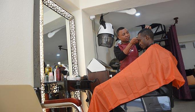 Tanzanya Türk berberleri bekliyor, saç traşı 40 dolar