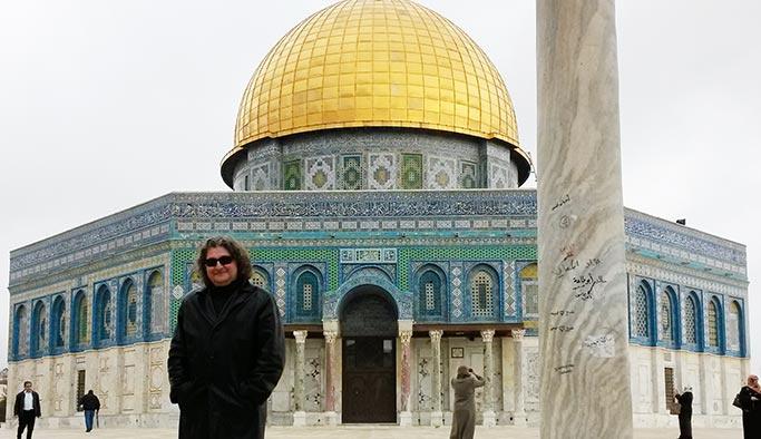 Tuluyhan Uğurlu Kudüs'ü yazdı