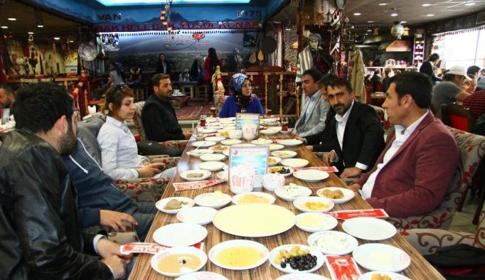 Türkiye Gazi ve Şehit Aileleri Vakfı basınla bir araya geldi