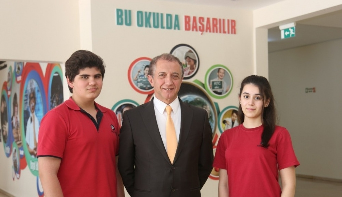 Türkiye'nin en iyi İngilizce konuşan öğrencileri İhlas Kolejinden