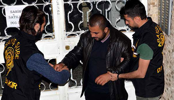 Yolda yürüyen çifte saldıran kişi tutuklandı