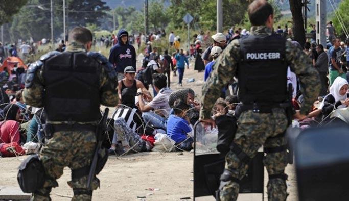 Yunanistan'da mültecilere bozuk tavuk eti yedirdiler