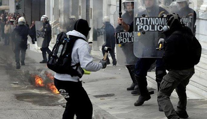 Yunanistan karıştı, sokaklarda çatışmalar yaşanıyor