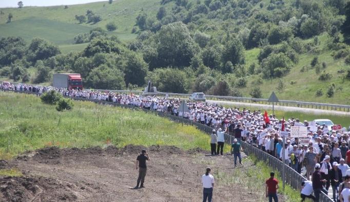 Yeniçağ ve Milli Gazete yazarları CHP yürüyüşünde