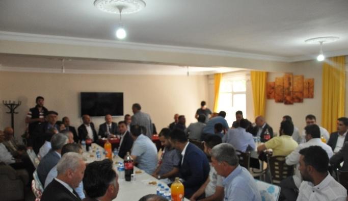 AK Parti Muş Milletvekili Şimşek, Bulanık'ta vatandaşlarla bayramlaştı