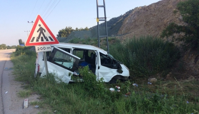 Amasya'da minibüs kazası: 10 yaralı