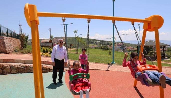 Başkan Baran Körfez'in parklarını inceliyor