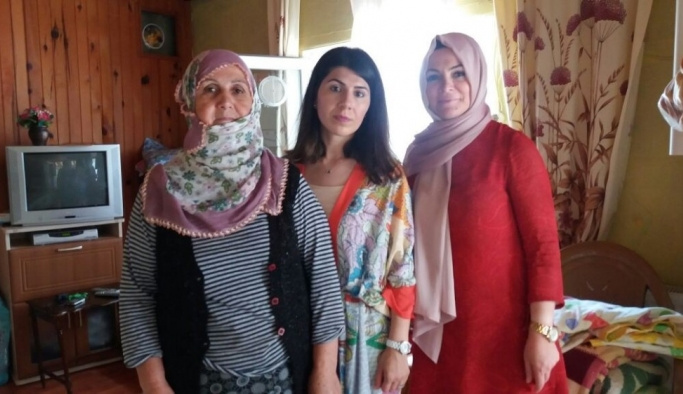 Başkan Yemenici'nin eşi Nilay Yemenici ihtiyaç sahibi aileleri sevindirdi