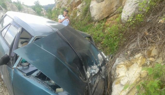 Cide'de trafik kazası:1 yaralı