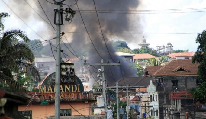 """Filipinler ordusu: """"Ölü sayısı çok daha yüksek olabilir"""""""