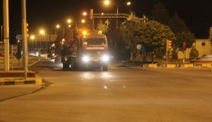 Suriye sınırına gece yarısı obüs sevkiyatı