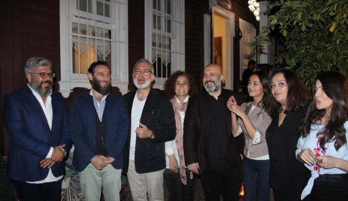 Hanedan mensupları Payitaht dizisi ekibine iftar verdi