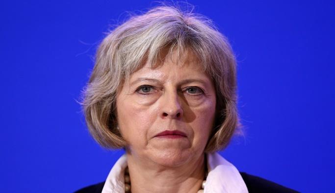 İngiltere'de azınlık hükümetine güvenoyu