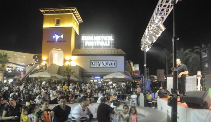 'Keyf-i Ramazan Tiyatrosu' sanatseverlere coşkulu bir akşam yaşattı