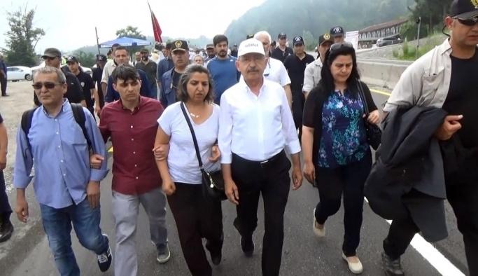 Kılıçdaroğlu 13'üncü güne Gezi aileleriyle başladı