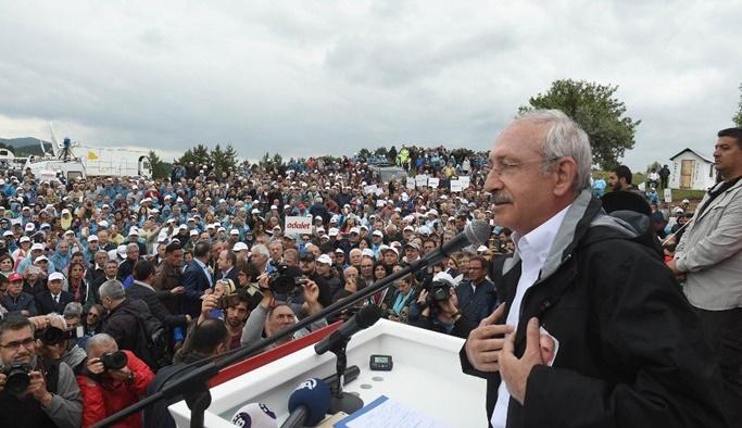Kılıçdaroğlu grup toplantısını 'Adalet Yürüyüşü'nde yaptı