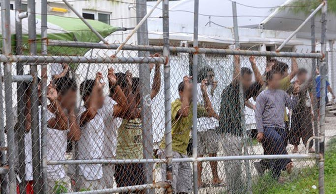 Mültecilere kötü davranan Avustralya tazminat ödeyecek