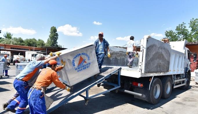 Muratpaşa'dan kardeş belediye İbradı'ya konteyner desteği