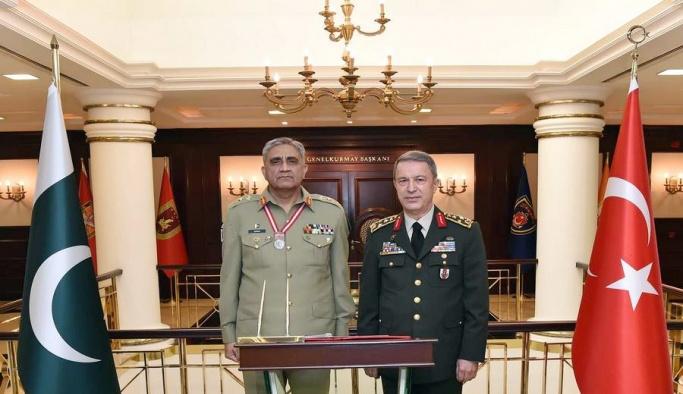 Pakistan Kara Kuvvetleri Komutanı Bajwa'dan Genelkurmay Başkanı Akar'a ziyaret