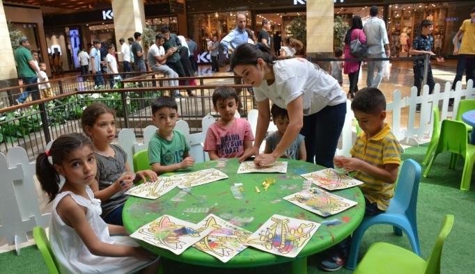 Piazza'da mini tatil köyü etkinliği düzenlendi
