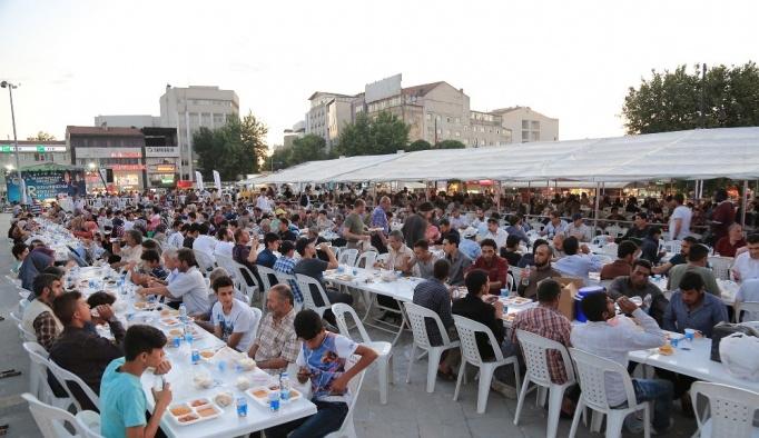 Ramazan Ayı boyunca yaklaşık 100 bin kişiye iftar verildi