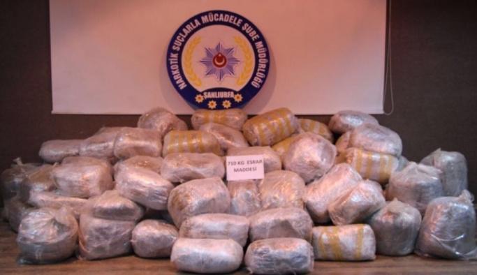 Samanların arasından 710 kilo uyuşturucu ele geçirildi