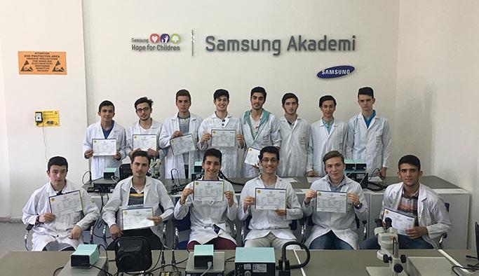 Samsung Akademi'den sektöre 2 binden fazla nitelikli eleman