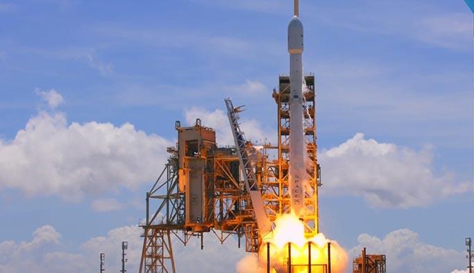 SpaceX ikinci el roketiyle Bulgaristan uydusunu fırlattı
