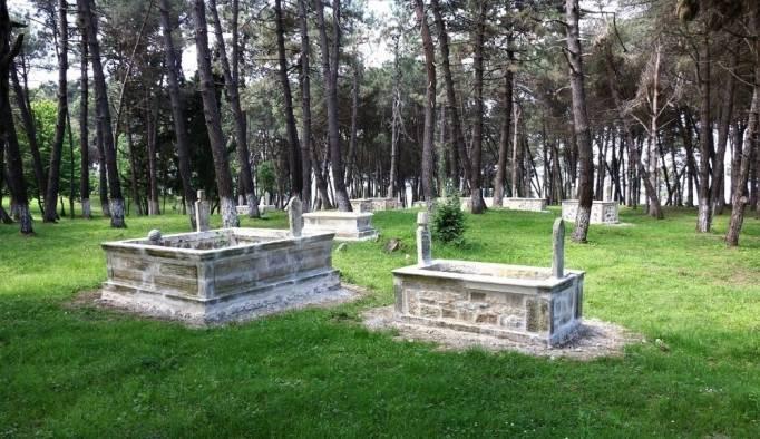 Tarihi mezarlar restore edildi