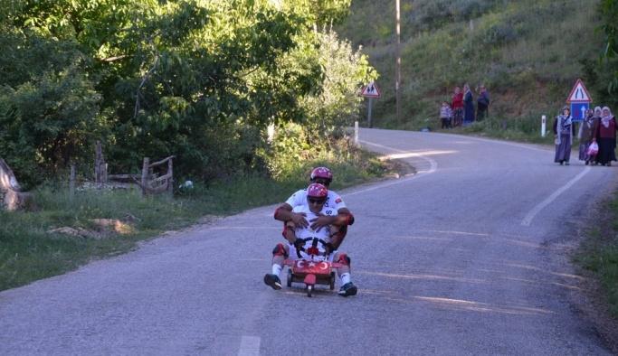 Tornet yarışları renkli görüntülere sahne oldu