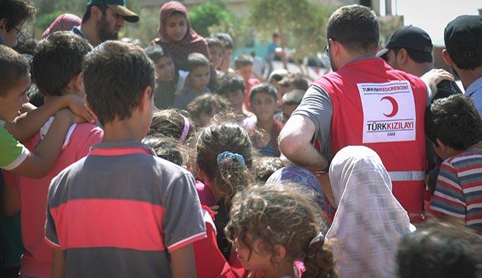 TRT World'den Suriyeli yetimlere bayram hediyesi